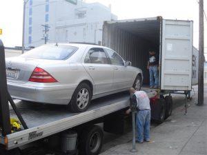 Enviamos carros dentro de contenedores por barco a Puerto Quetzal, Guatemala y Puerto de Acajutla en El Salvador